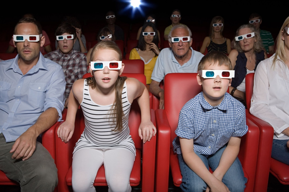 Leffojen työntekijät ovat odottaneet työehtosopimusta pitkään kuin elokuvateatterin asiakkaat mainosten päättymistä. Kuva: Gettyimages