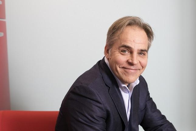 Taloustieteilijä Mika Maliranta vetää Jyväskylän yliopistossa johtamiseen liittyvää tutkimushanketta. Kuva: Susanna Kekkonen