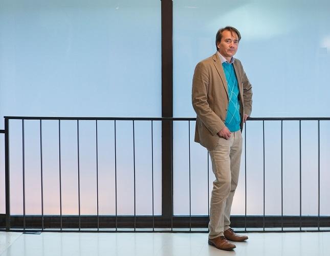 Matkailu- ja ravintola-alaa tulee tehdä työntekijöille houkuttelevammaksi, sopimusasiantuntija Raimo Hoikkala sanoo. Lisääntynyt osa-aikatyö ei ole vetovoimatekijä. Kuva: Jukka Rapo