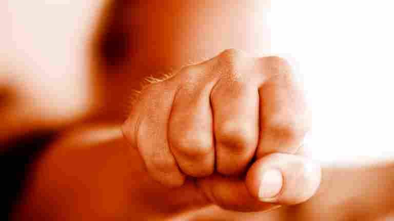 Risken för hot om våld bör utvärderas på förhand på arbetsplatserna i hotell- och restaurangbranschen