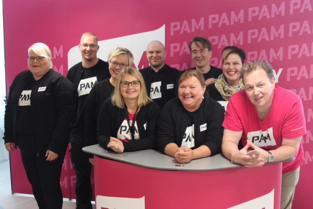 Jäsenhankkijoita voi tavata työpaikoilla ympäri Suomen. Kuva: Minna Raitapuro.
