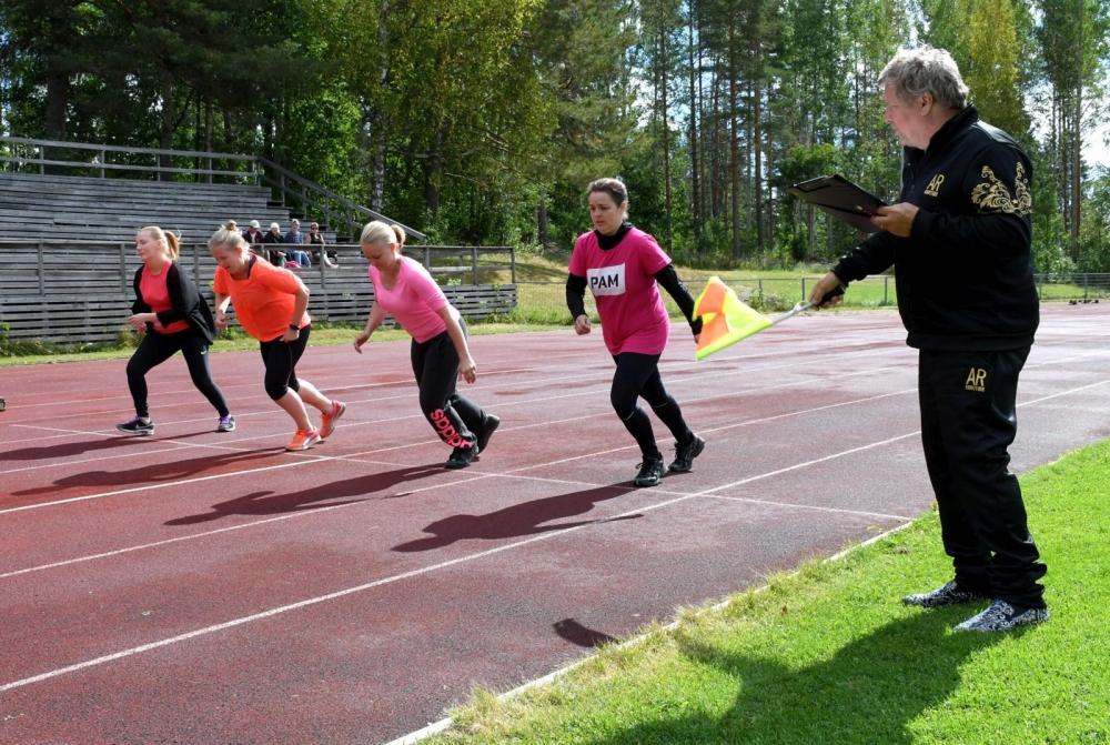 Savo-Karjalan alueen marava-alan kesäpäivien ohjelmassa oli mm. juoksukilpailut, pallonheittoa, arpajaiset sekä iltajuhla. Kuva: Marcus Junttanen.