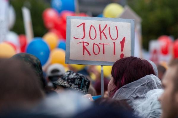 STOP-mielenosoitus laittoi kampoihin pakkolaeille syyskuussa 2015.