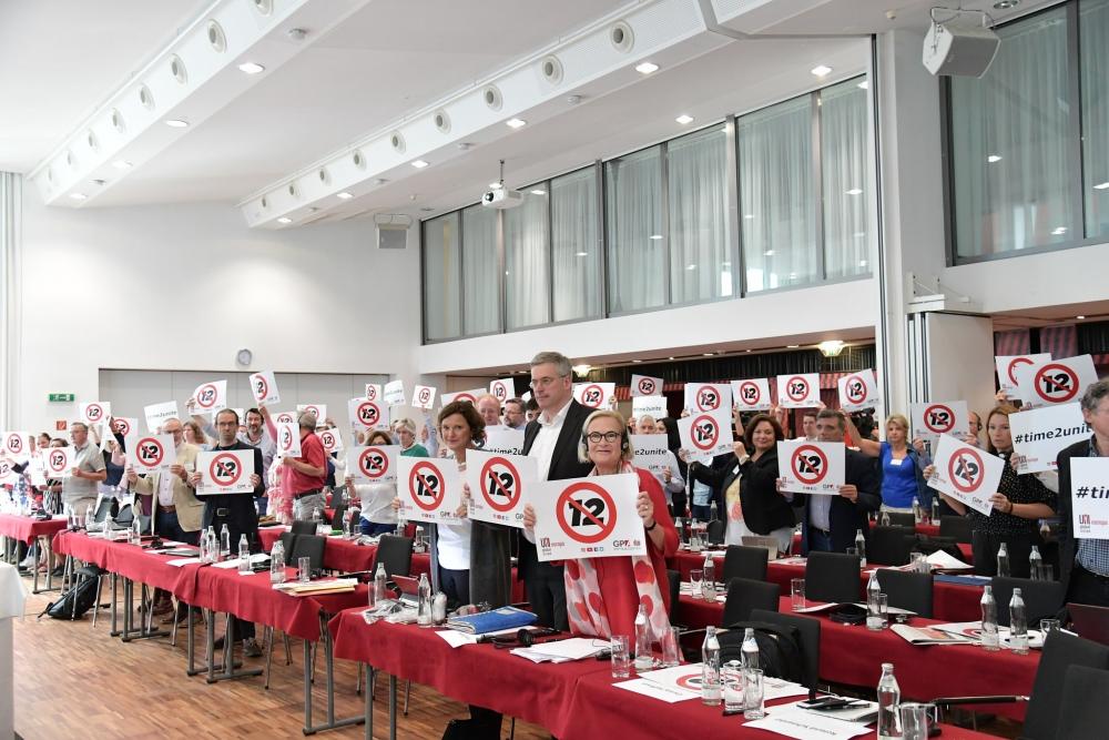 Vetoomuksessa UNI-liitot vaativat työntekijöiden kuulemista, sillä palkansaajajärjestöjä ei kuultu lain valmistelussa. Kuva: GPA-djp.