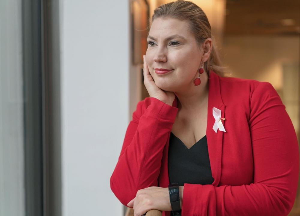 Katja Hänninen nousi eduskuntaan Prisman myyjän töistä. Kuva: Jukka Rapo