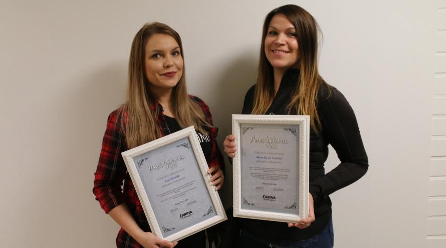 Essi Niinistö, Anna-Kaisa Tuuttila ja kuvasta puuttuva Erja Arhipoff saivat parhaan työkaverin palkinnon.