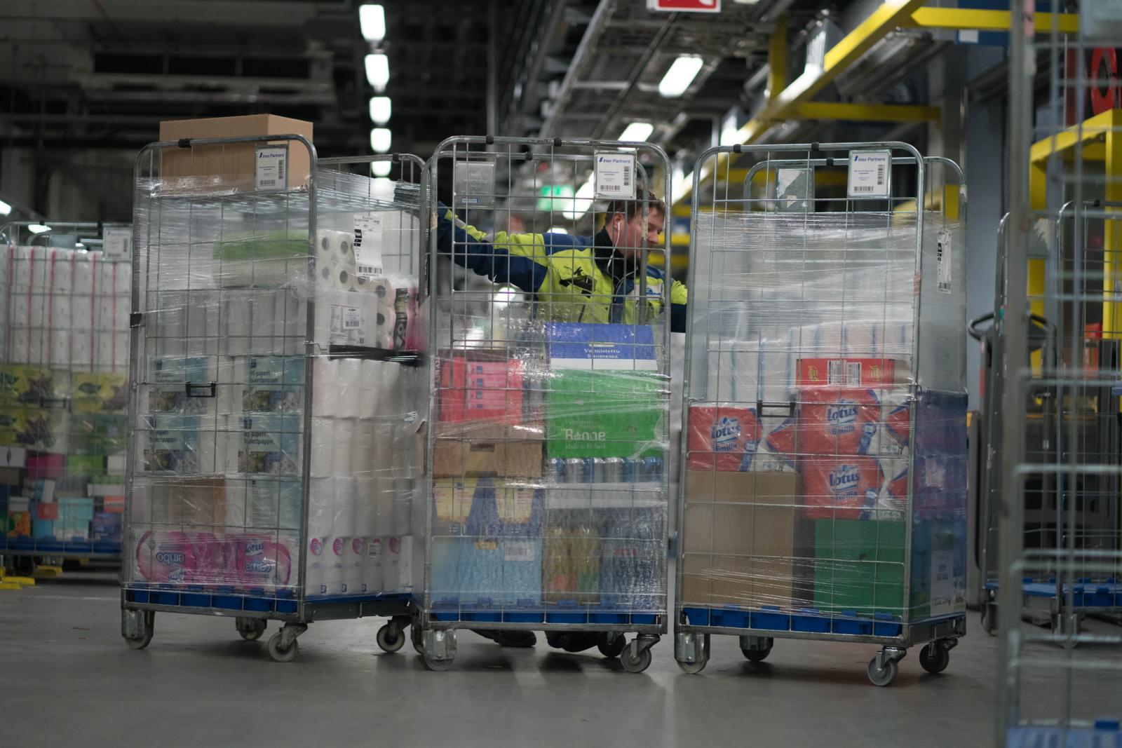 Pehmeitä paketteja ei kerätä Inexillä täysautomaattisesti. Kuva: Jukka Rapo