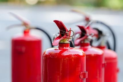 Hotellirakennus Pudasjärvellä on tuhoutunut pahoin tulipalossa - mitä tapahtuu työntekijöiden toimeentulolle?