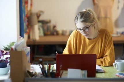 Muutokset sosiaaliturvassa parantavat nuorten asemaa - pääsy ammatilliseen kuntoutukseen helpottuu