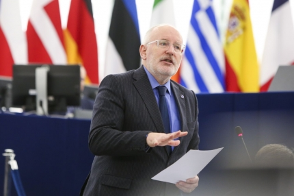Commissioner Timmermans: Towards better regulation and employee protection