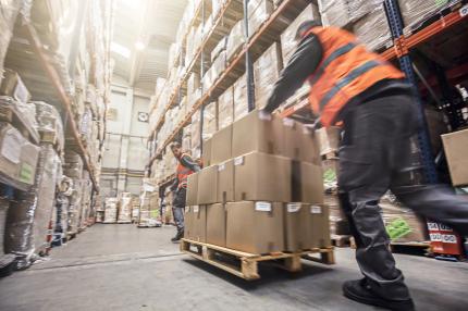 Sisälogistiikkayhtiö Transvalin työntekijöistä osa siirtyy kaupan alan työehtosopimuksen piiriin