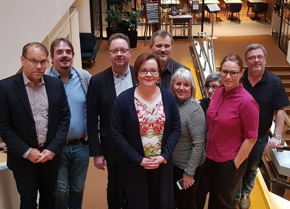 SUNin hallitus koolla Helsingissä (vasemmalta oikealle): Hannu Moilanen (Suomi), Brede Edvardsen (Norja), Magnus Pettersson (Ruotsi), Jaana Ylitalo (Suomi), Mikael A Carlsson (Ruotsi), Åse Blomkvist (Ruotsi), Ann Elisabet Sandvold (Tanska) (takana), Trine Lise Sundnes (Norja) sekä Jerker Nilsson (Ruotsi).