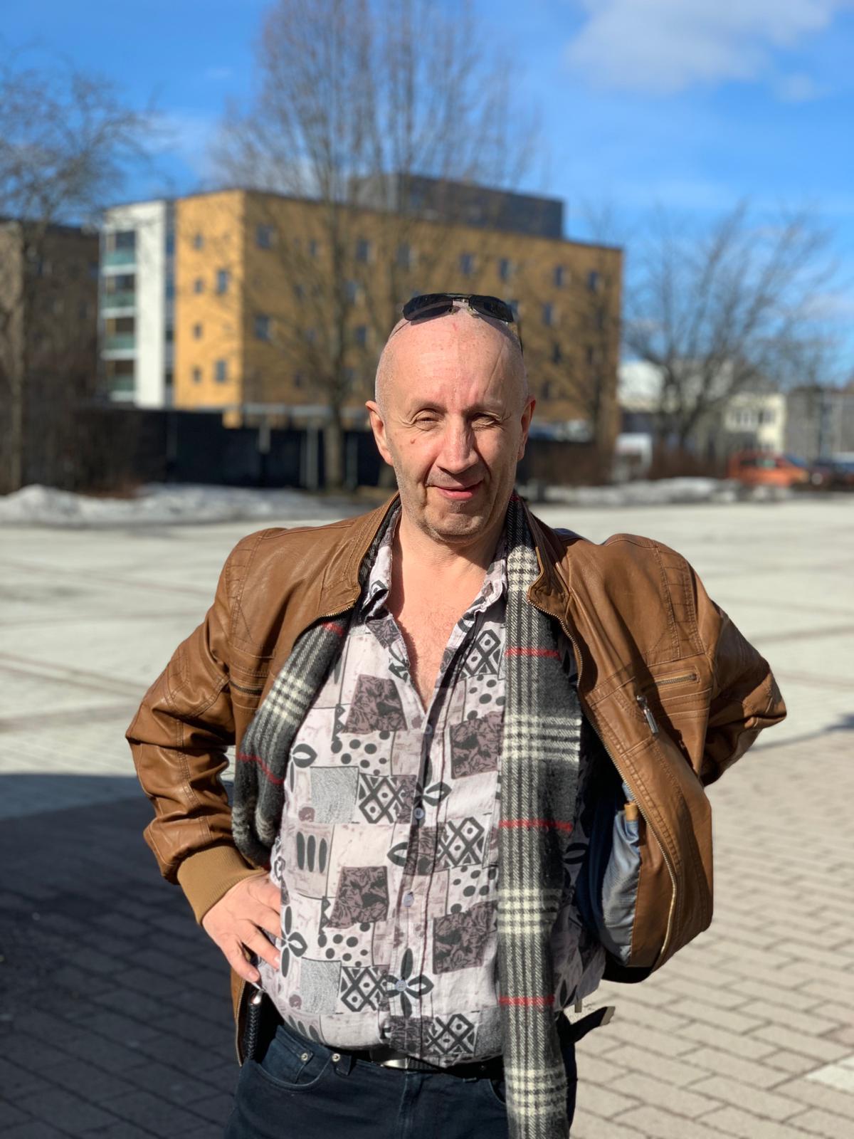 Pamilainen Juhani Grönlund kävi äänestämässä vaalirekalla. Kuva: Jenni Pihlaste