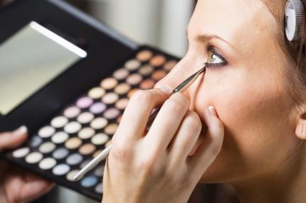 Kosmetologi voitti valtion oikeudessa: Työnantajan lupaama äitiysvapaan palkka täytyi maksaa palkkaturvasta