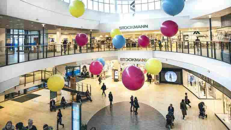 Stockmann vähentää 150 työntekijää, mutta ei myyjiä –
