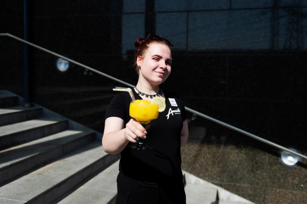 Pamilainen Jutta Vihonen on yksi tämän kevään valmistuvista opiskelijoista. Hän jo suunnittelee jatko-opintoja.