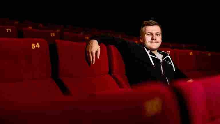Leffafanista elokuvateatterin työntekijäksi