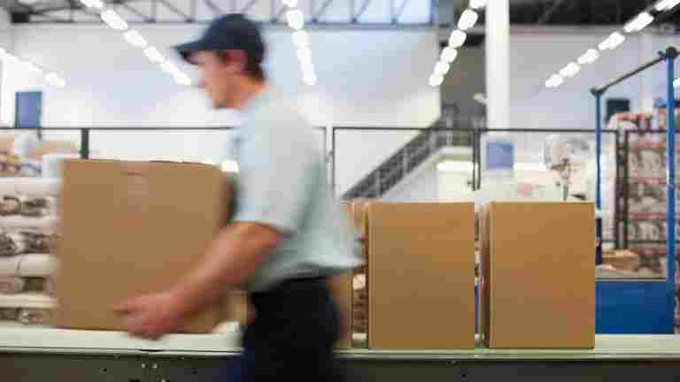 PAU och Industrifacket har varslat om stridsåtgärder - utför inte övertidsarbete som omfattas av förbudet eller strejkbelagt arbete
