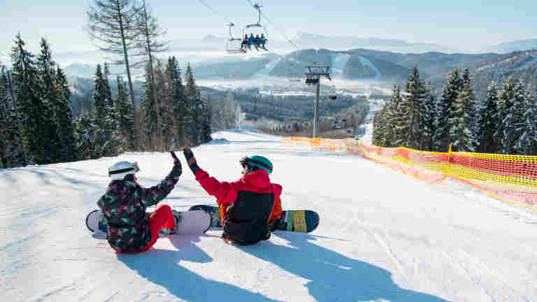 PAMin hallitus hyväksyi hiihtokeskus- ja ohjelmapalvelualoille uudet työehtosopimukset kahdeksi vuodeksi