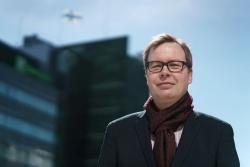 Aleksi Kuusiston mielestä hyvä syy äänestää sunnuntain EU-vaaleissa on se, että me emme ole vain suomalaisia, me olemme myös eurooppalaisia. Kuva: Jukka Rapo