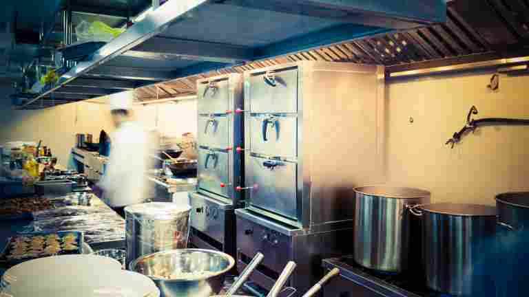 PAM lausunnossaan ravintola-alan tuesta: Lisää rahaa ja alan henkilöstörakenne huomioon
