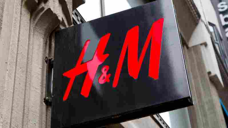 H&M osa-aikaistaa kokoaikaiset myyjänsä ja irtisanoo 50