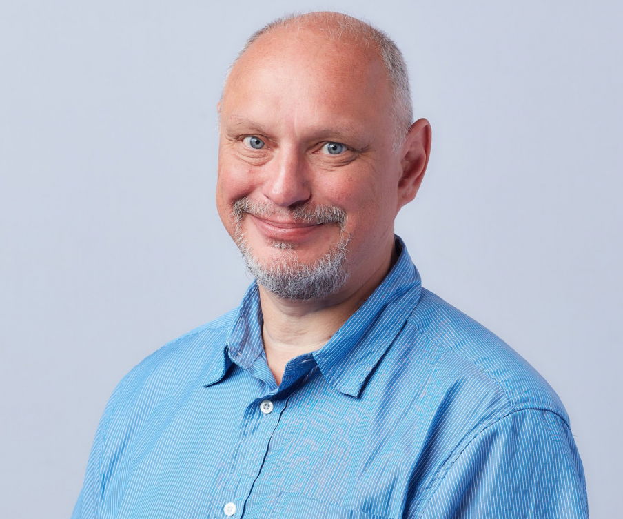 Petri Järvisen mielestä työnantajan ei pidä irtisanoa ketään vaan sijoittaa uusiin töihin yhtiön sisällä.  Kuva: Pasi Salminen.