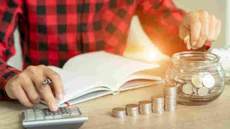 Om arbetsgivaren försätts i konkurs – var beredd på att din löneutbetalning upphör och att du får söka dina obetalda löner