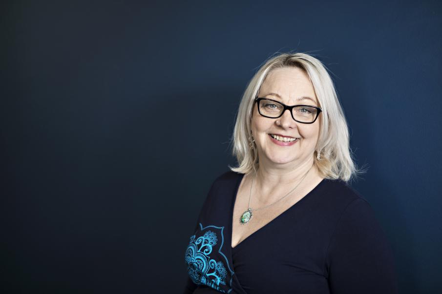 Erika Kähärä valittiin jatkamaan UNI Europan naiskomitean varapuheenjohtajana sekä UNI Global naistenkomitean varapuheenjohtajana. Kuva: Eeva Anundi.