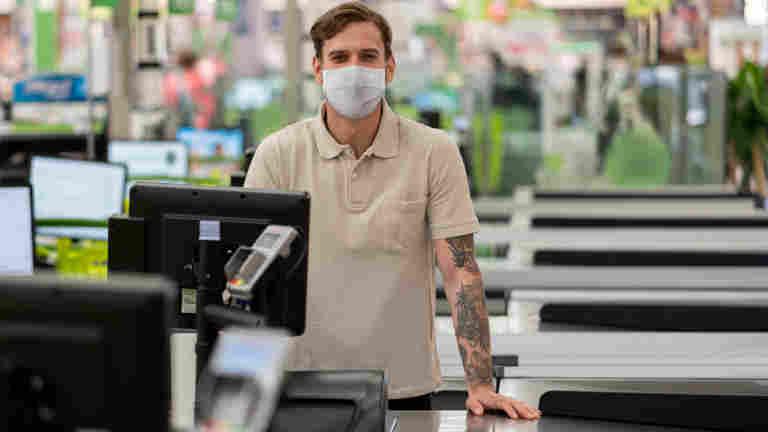 Työnantajan tulee luetteloida koronalle työssä altistuneet työntekijät
