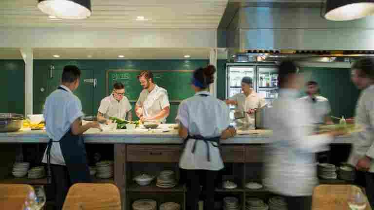 Ranskan ravintola-alalle tulossa roima palkankorotus