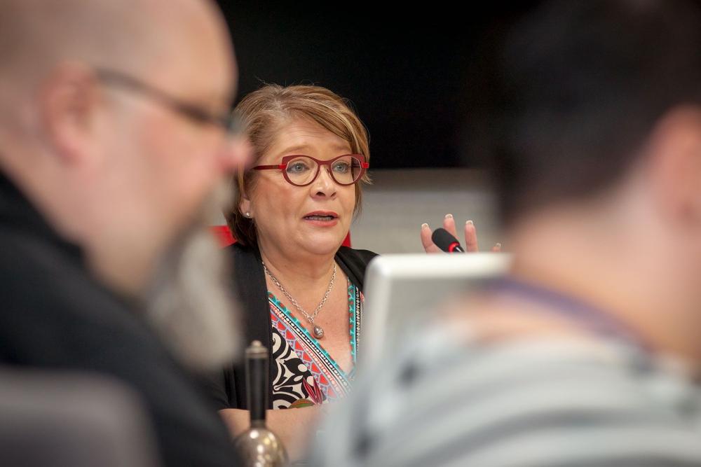 Puheenjohtaja Ann Selin joutui keskeyttämään PAMin hallituksen kokouksen pian sen avattuaan. Myös iltapäivän kokoustuokio kesti vain hetken. Kuva: Tero Leponiemi