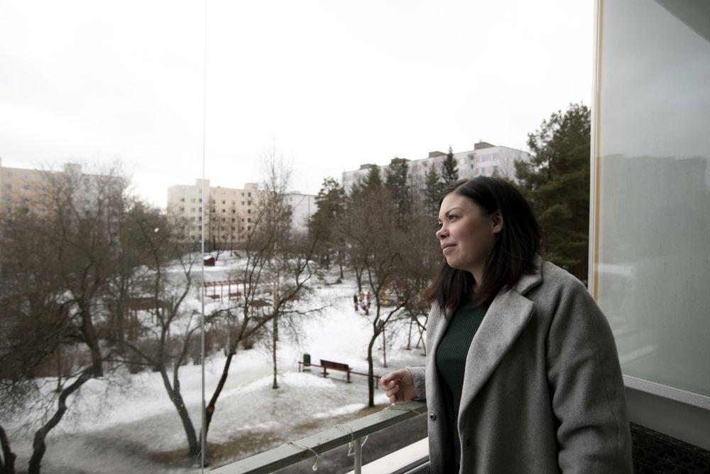 Sonja Harmaala sanoo, että kokoaikatyö toisi hänen elämäänsä jatkuvuutta. Kuva: Miisa Kaartinen
