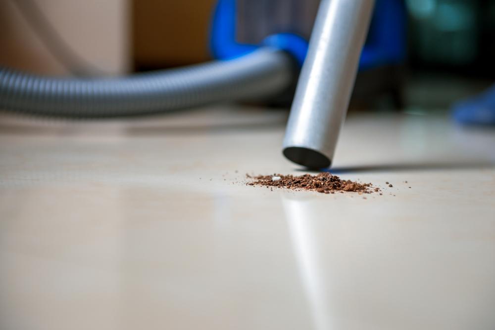 Siivoustyö on vedetty kilpailutusten myötä tiukalle. ISS:n pääluottamusmiehet haastavat yritysjohdon miettimään vaihtoehtoja työajan pidennykselle. Kuva: iStockphoto