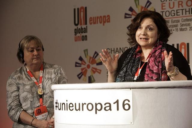 Kreikkalainen Sofia Kanta kuvasi maataan vastaanottokeskukseksi, jossa eletään hirvittävissä oloissa. Kuva: Uni Europa
