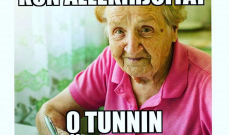 Ootko ollu tässä tilanteessa? #vainpamjutut #tgif #palveluala #työsoppari #työpaikka #duunissa #töissä #nollatuntia #toivottavastienemmän #igersfinland #paljonoottehnytunteja #palkkapäivä #liksapäivä #beentheredonethat #meemi #vanhempilady