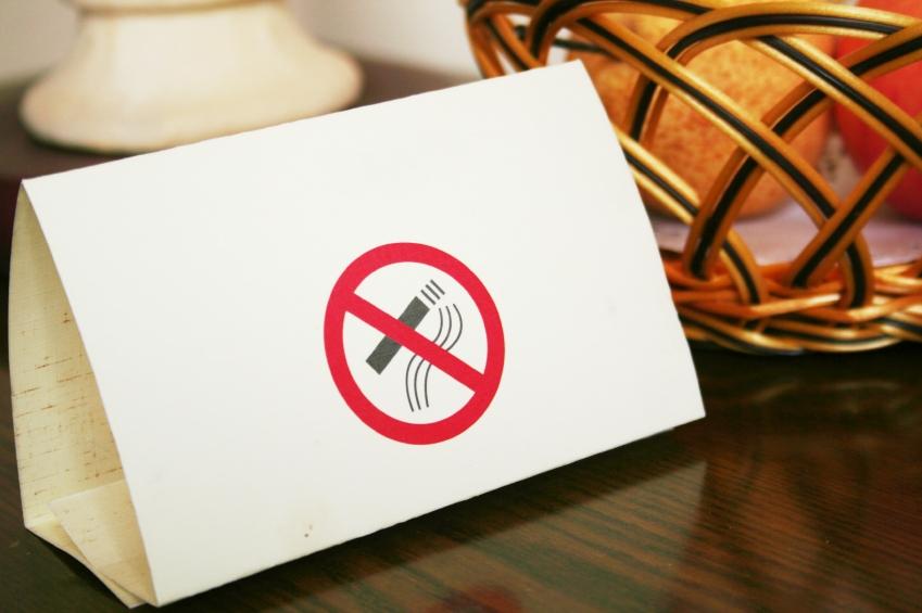 Pubeissa ja yökerhoissa tupakointkiellolla oli suurin merkitys. Kuva: IStock
