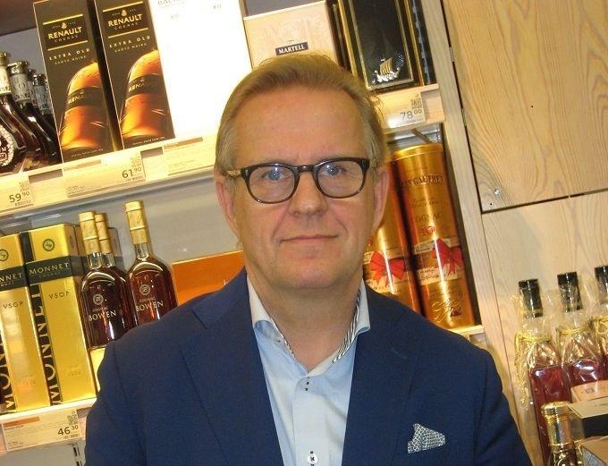 Harri Sailaksen mukaan vastuullisuus on Alkolle yhtä tärkeä asia kuin viinaveron tuottaminen valtiolle.