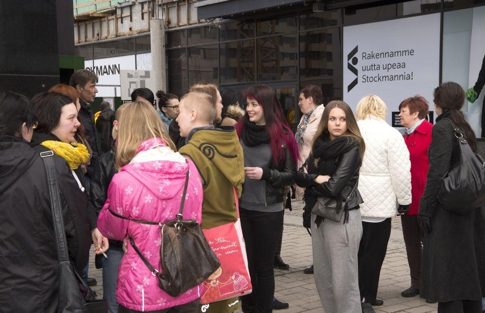 Tampereen Stockmannilla protestoitiin yt-neuvotteluja ja lisätyöpulmia keväällä 2013. Kuva: Pam-lehden arkisto / Ari Korkala