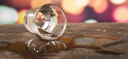 Alkoholikuolemat vähentyneet–kääntyykö niiden määrä kasvuun?
