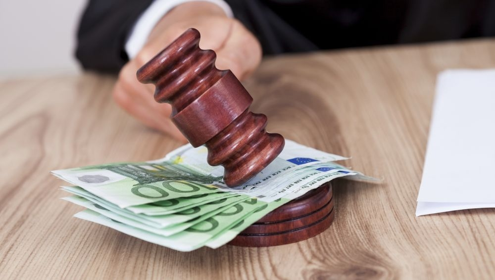 Yrittäjä ei saapunut oikeuteen, mutta on joutumassa maksamaan korvauksia. Kuva: iStockphoto