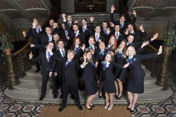 Suomen nuoret EM-kisaajat lähettämistilaisuudessa. Kuva: WorldSkills