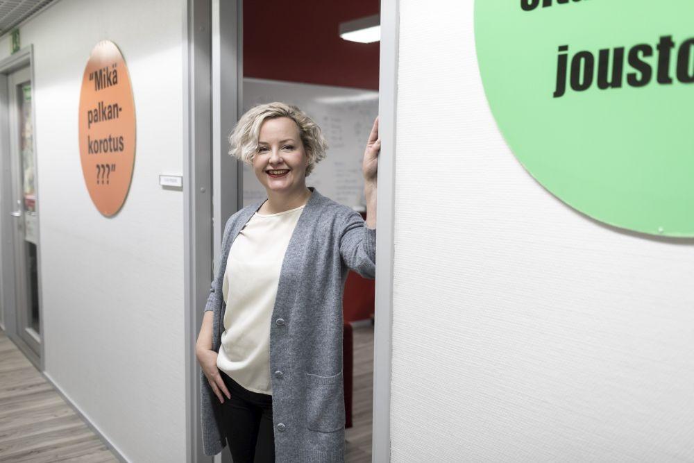 Vuosien varrella Iida Viljanen on oppinut, että vapaaehtoistyössä kannattaa keskittyä asioihin, jotka ovat oikeasti hauskoja ja mielekkäitä. Kuva: Rami Marjamäki